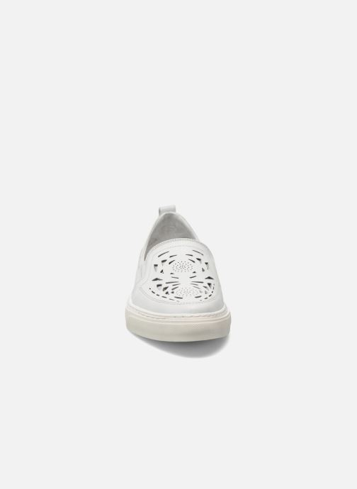 Sneakers Bronx Mec Bianco modello indossato