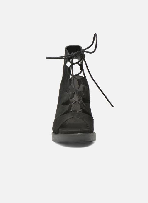 Sandali e scarpe aperte Bronx Mila Nero modello indossato