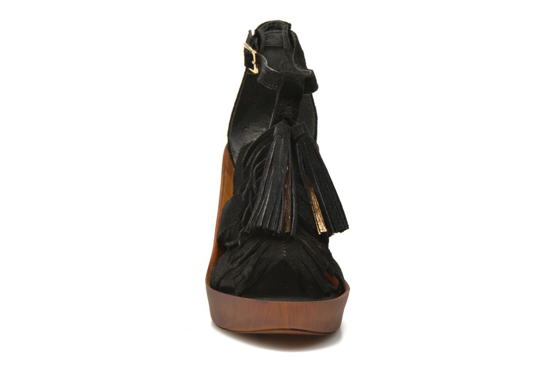 Sandali e scarpe aperte Bronx Banner Nero modello indossato
