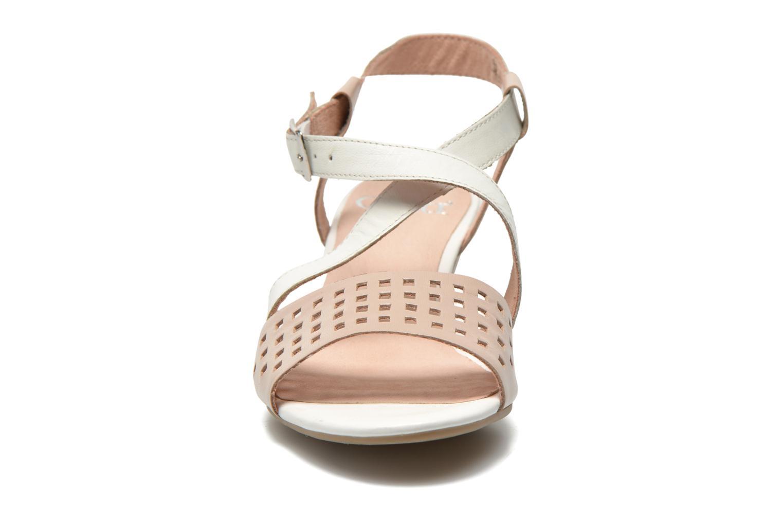 Sandales et nu-pieds Caprice Talia Beige vue portées chaussures