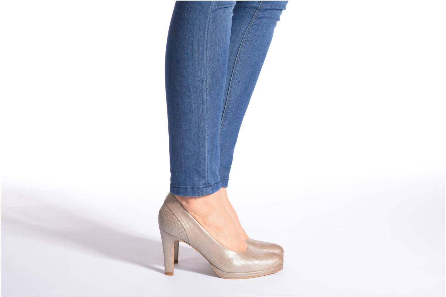 High heels Myma Hewin Beige view from underneath / model view