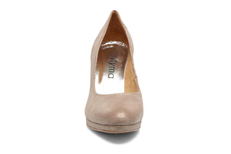 High heels Myma Hewin Beige model view