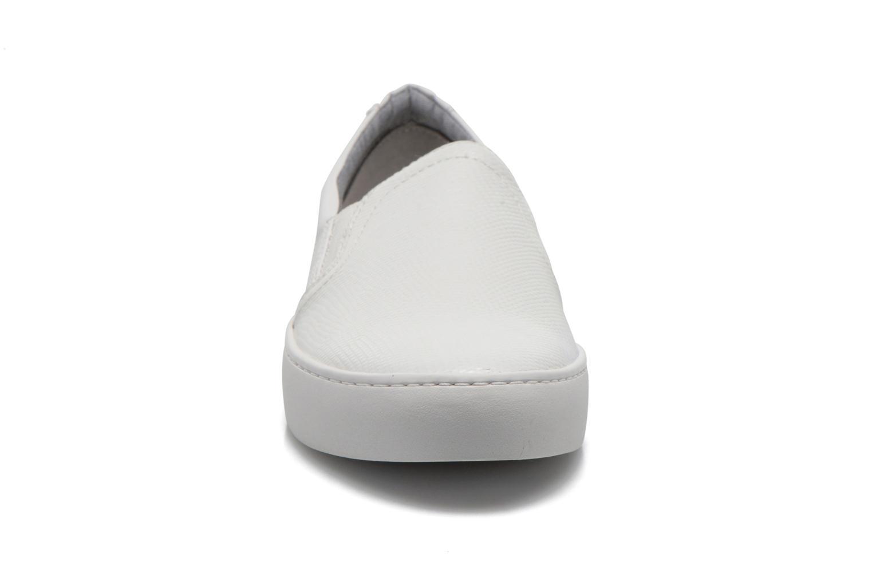 Deportivas Vagabond Shoemakers Zoe 4121-308 Blanco vista del modelo