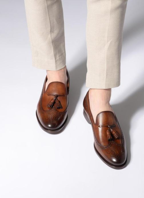 Loafers Marvin&Co Luxe Wallas - Cousu Goodyear Brown view from underneath / model view