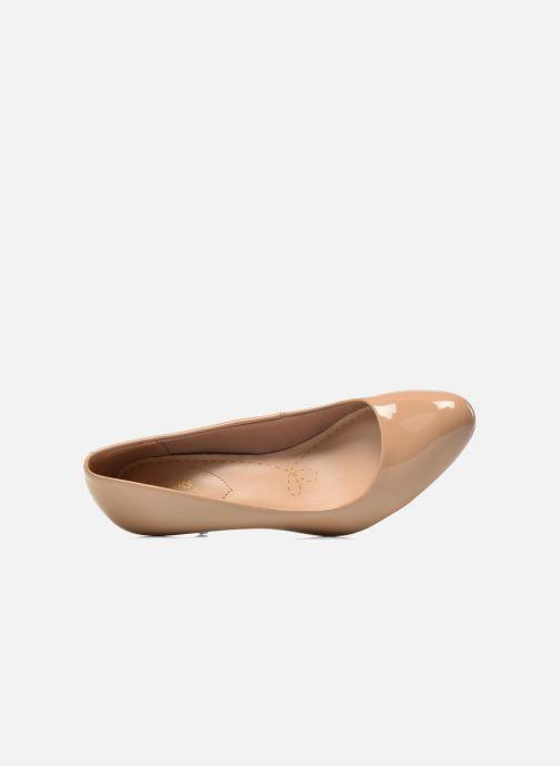 Zapatos de tacón Clarks Carlita Cove Beige vista lateral izquierda