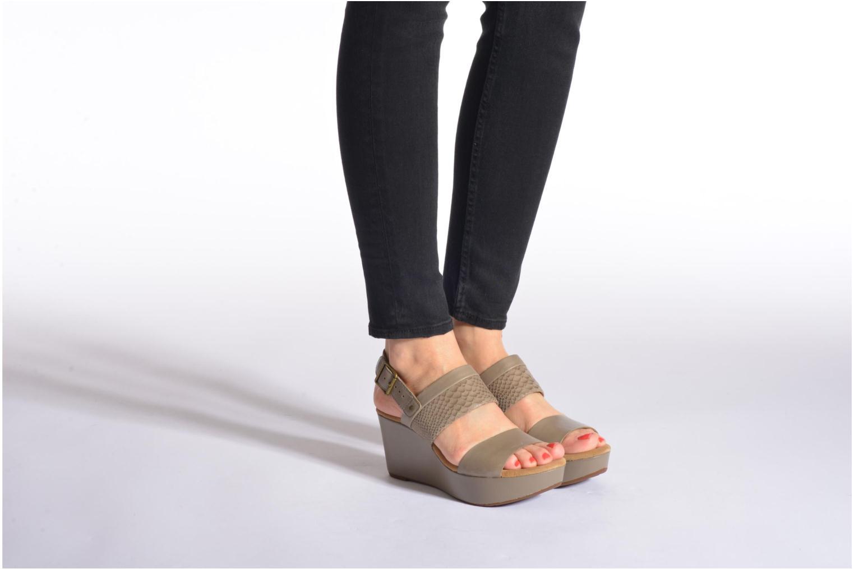 Sandales et nu-pieds Clarks Caslynn Kat Noir vue bas / vue portée sac