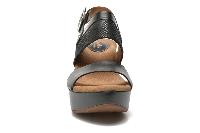 Sandaler Clarks Caslynn Kat Svart bild av skorna på