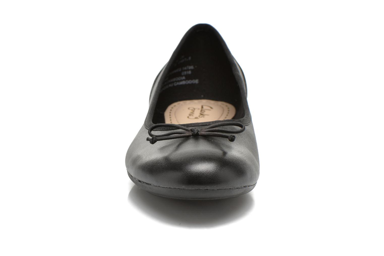 Ballerines Clarks Couture Bloom Noir vue portées chaussures