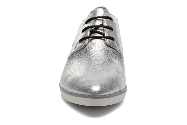 Chaussures à lacets Clarks Cressida Grace Argent vue portées chaussures