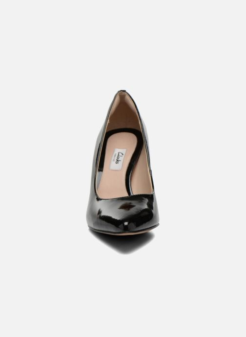 Zapatos de tacón Clarks Dinah Keer Negro vista del modelo