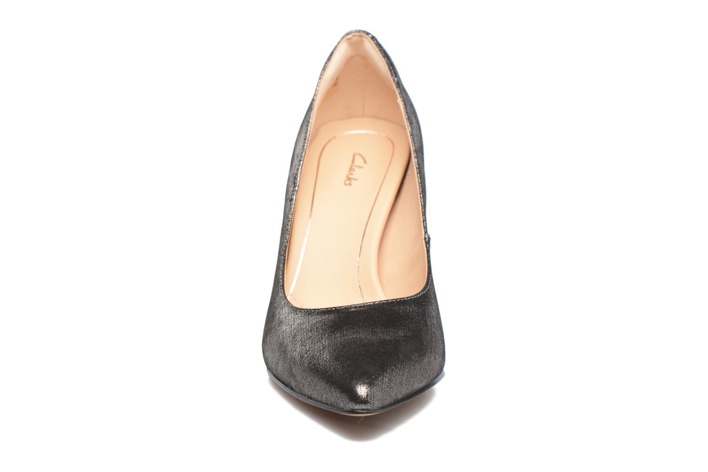 Escarpins Clarks Dinah Keer Argent vue portées chaussures