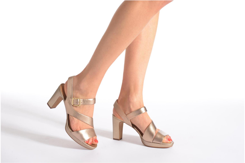 Sandales et nu-pieds Clarks Jenness Soothe Or et bronze vue bas / vue portée sac