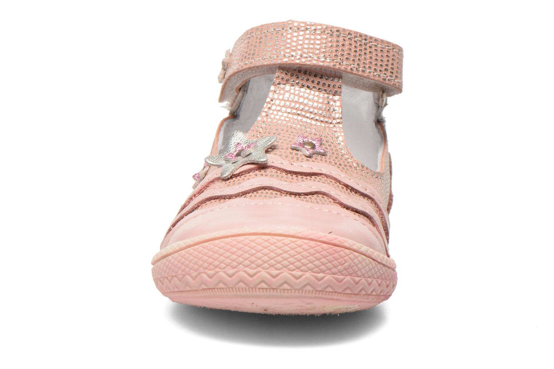 Zapatos con velcro Bopy Balina Rosa vista del modelo