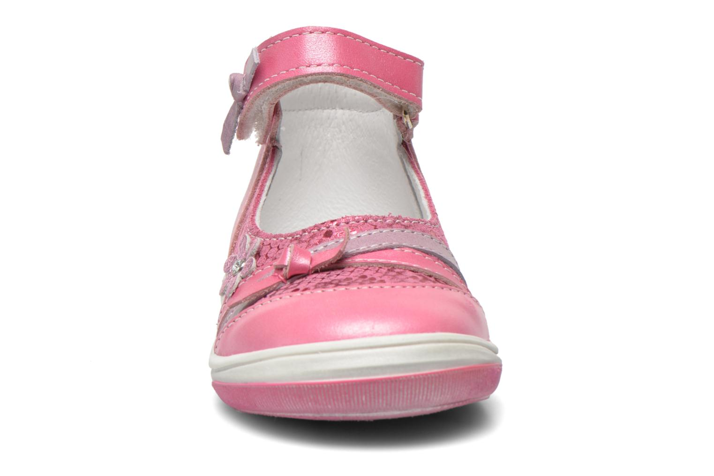 Ballerinaer Bopy Belene Pink se skoene på