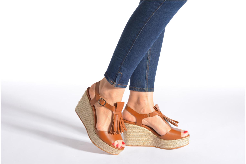 Sandalen Made by SARENZA Discow Girl #1 braun ansicht von unten / tasche getragen