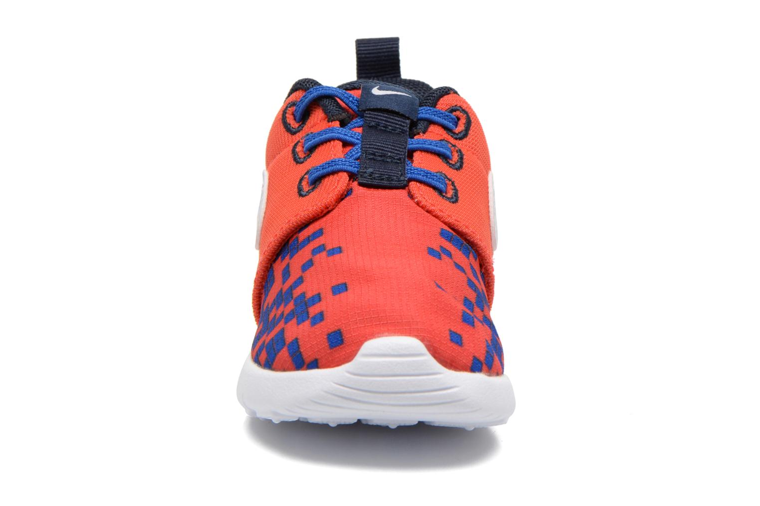Baskets Nike Roshe One Print (Tdv) Rouge vue portées chaussures