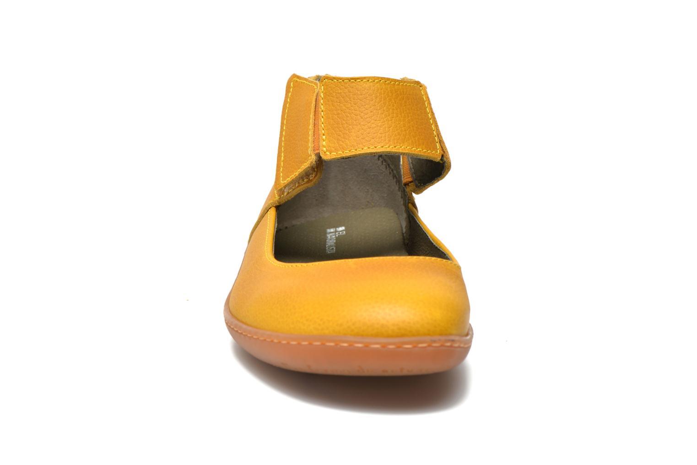 Ballerines El Naturalista El Viajero NE16 W Jaune vue portées chaussures