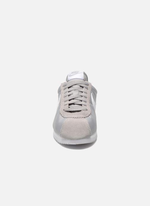 Sneaker Nike Classic Cortez Nylon grau schuhe getragen