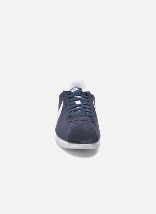 Deportivas Nike Classic Cortez Nylon Azul vista del modelo