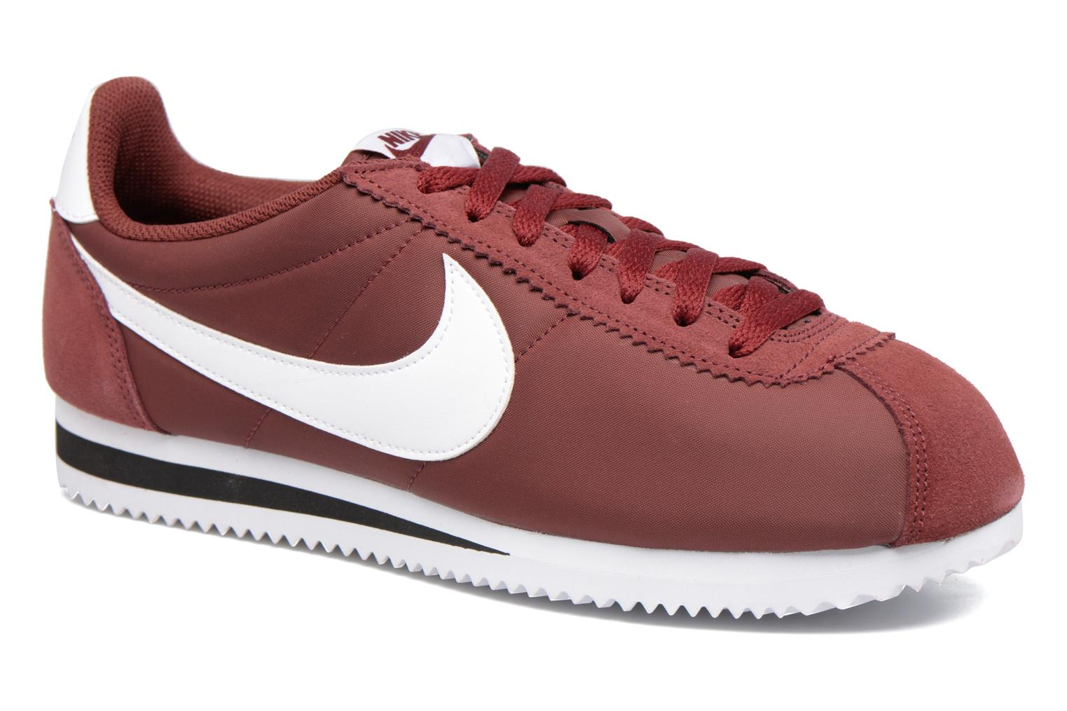 sports shoes f7d70 e4977 Baskets Nike Classic Cortez Nylon Bordeaux vue détail paire
