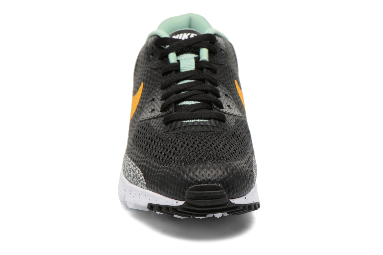 Baskets Nike Air Max 90 Ultra Essential Noir vue portées chaussures