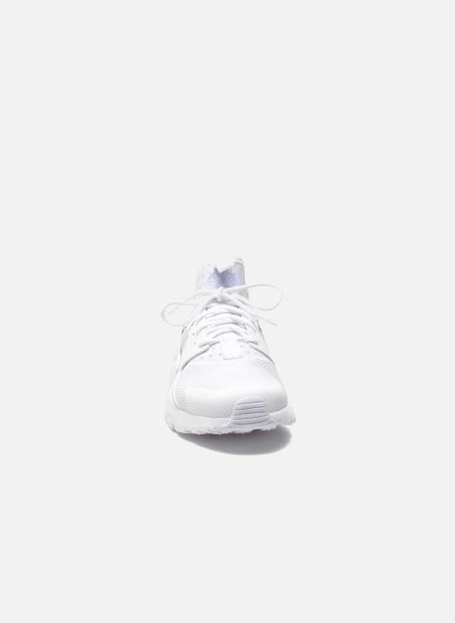 Baskets Nike Nike Air Huarache Run Ultra Blanc vue portées chaussures