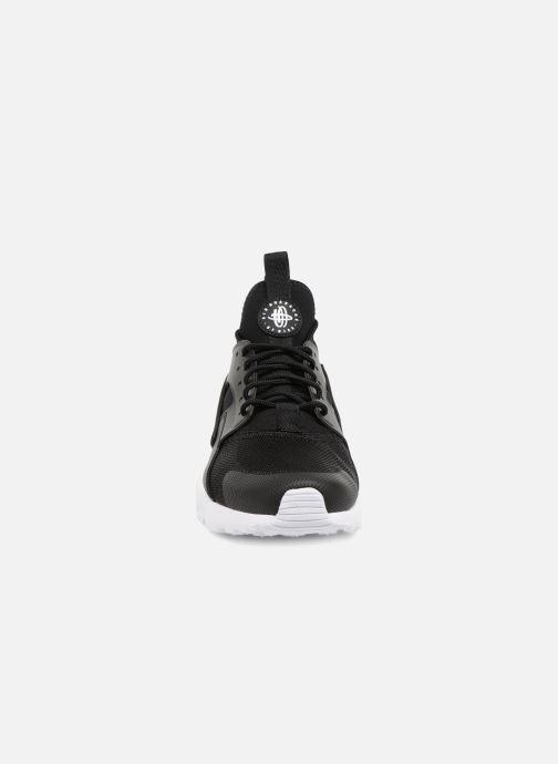 Baskets Nike Nike Air Huarache Run Ultra Noir vue portées chaussures
