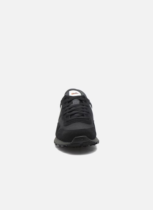 best service f7e33 451d1 Baskets Nike Nike Air Pegasus 83 Noir vue portées chaussures