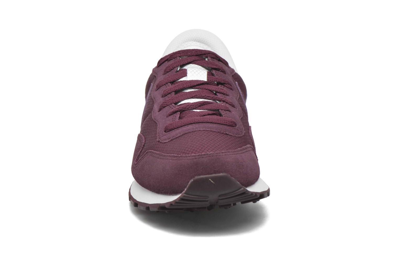 Baskets Nike Nike Air Pegasus 83 Bordeaux vue portées chaussures