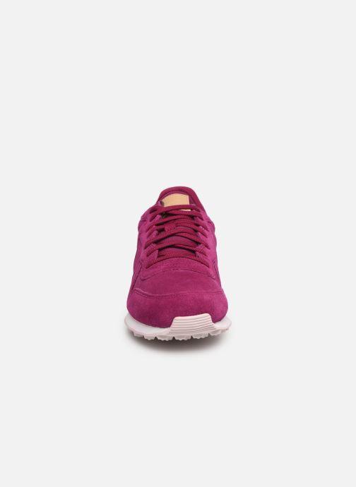 Baskets Nike W Internationalist Prm Rose vue portées chaussures