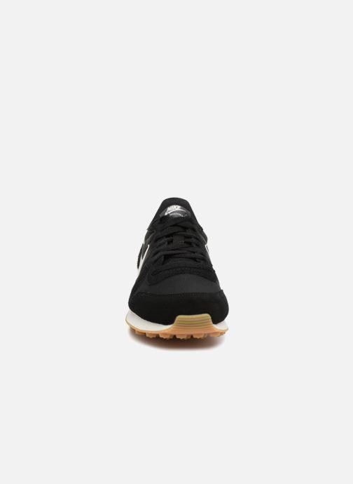 Sneaker Nike Wmns Internationalist schwarz schuhe getragen