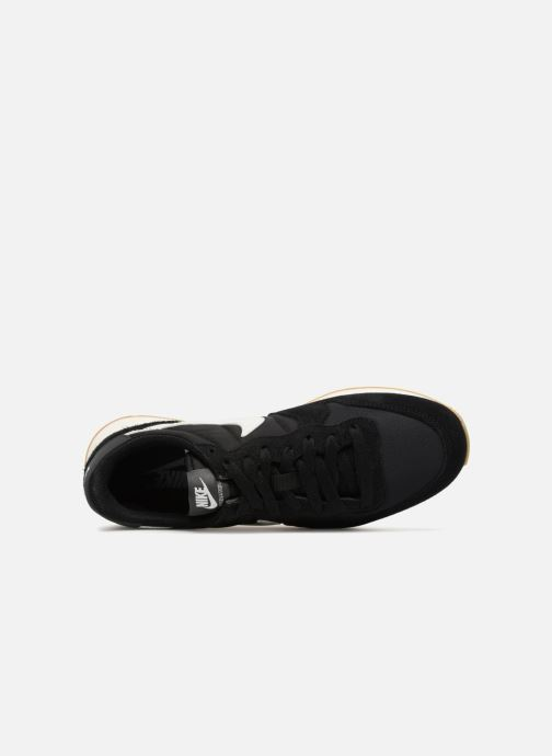 Trainers Nike Wmns Internationalist Black view from the left