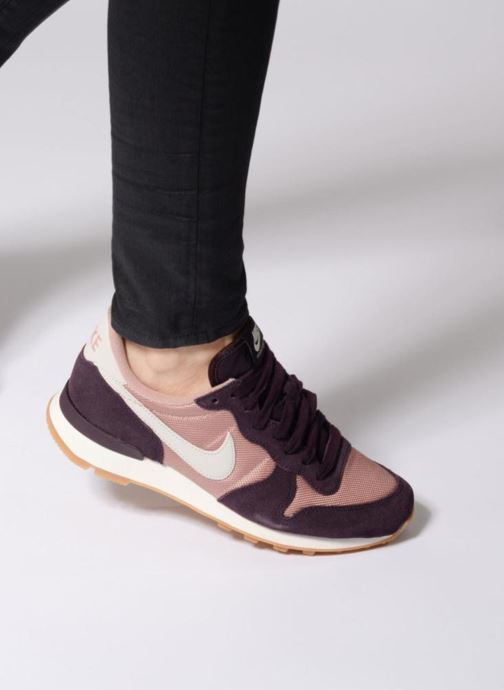 Baskets Nike Wmns Internationalist Gris vue bas / vue portée sac