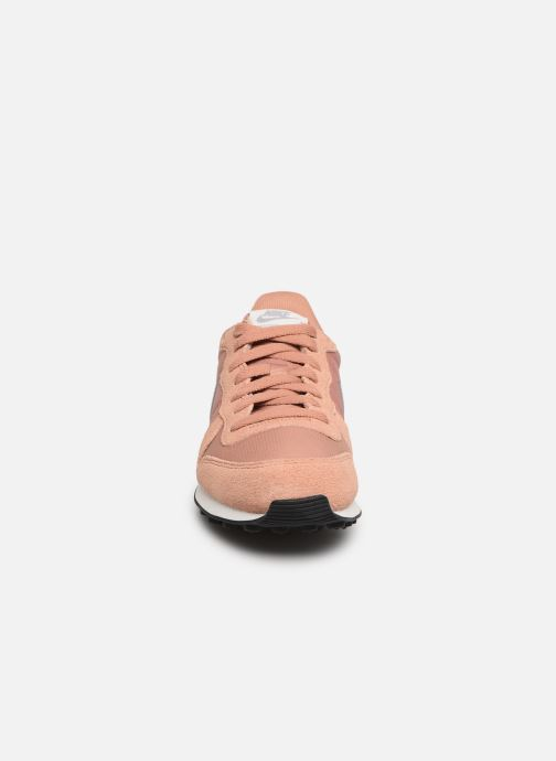 Trainers Nike Wmns Internationalist Pink model view