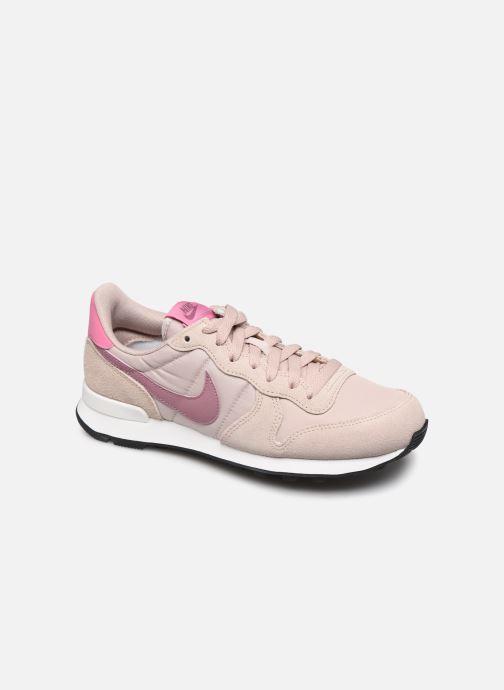 Nike Wmns Internationalist (Beige) Sneakers chez Sarenza