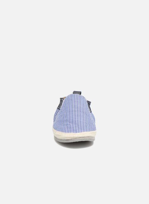 Pantofole Robeez Summer Camp Azzurro modello indossato