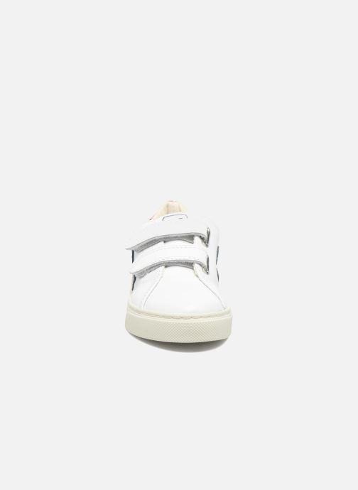 Sneakers Veja Esplar Small Velcro Bianco modello indossato