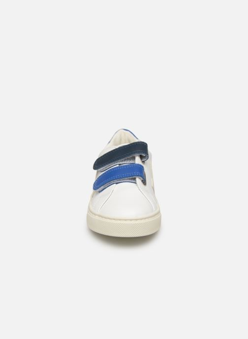 Trainers Veja Esplar Small Velcro White model view