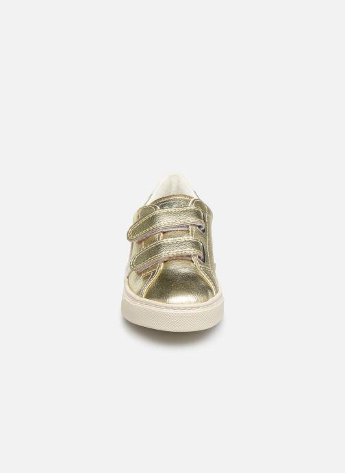 Baskets Veja Esplar Small Velcro Or et bronze vue portées chaussures