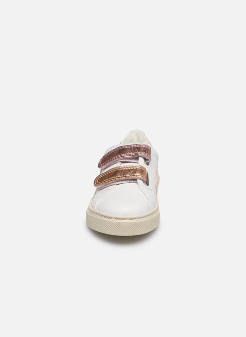 Baskets Veja Esplar Small Velcro Blanc vue portées chaussures