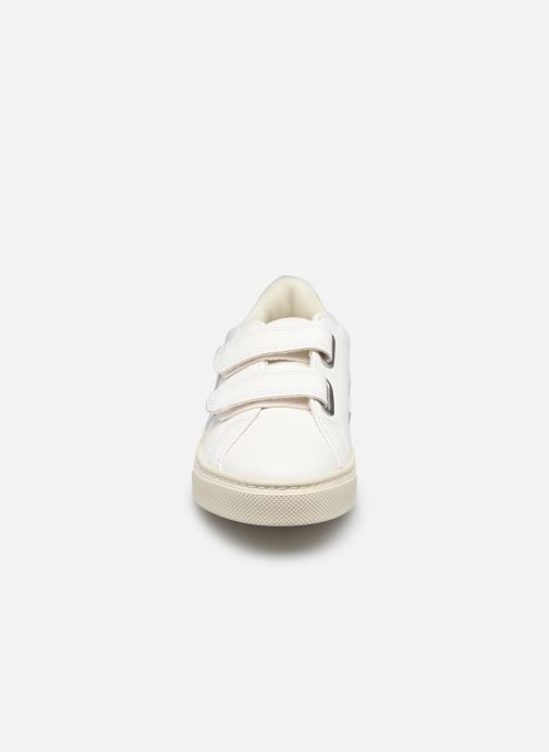 Sneaker Veja Esplar Small Velcro blau schuhe getragen
