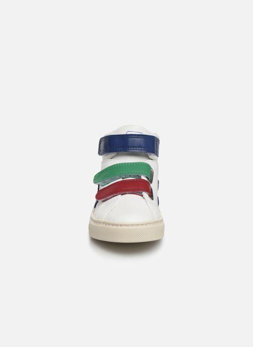 Sneakers Veja Esplar Mid Small Velcro Bianco modello indossato