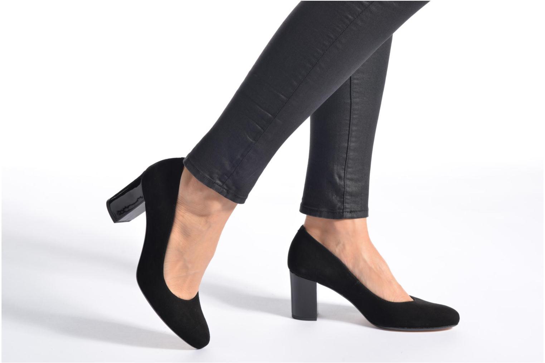 High heels Georgia Rose Santoo Black view from underneath / model view
