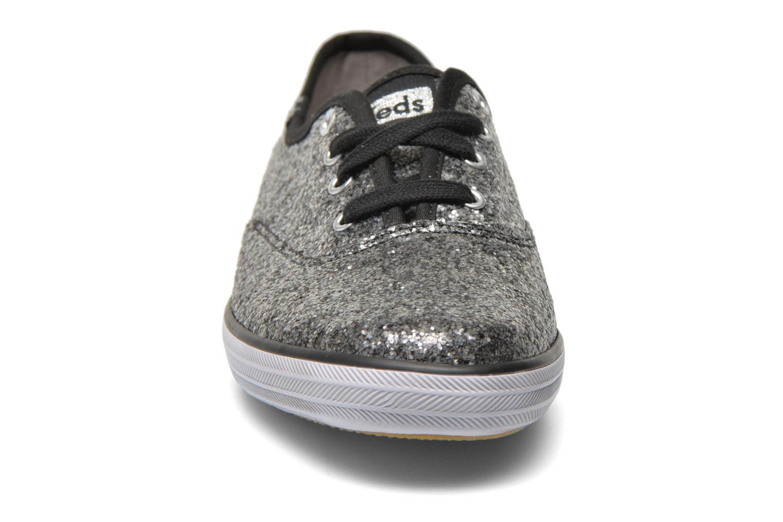 Sneaker Keds Champion CVO W silber schuhe getragen