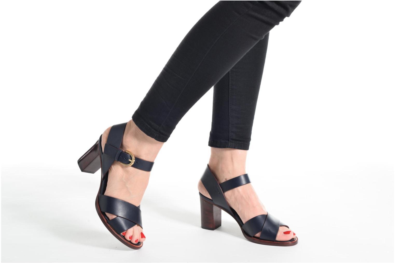 Sandales et nu-pieds Avril Gau Coquille Beige vue bas / vue portée sac