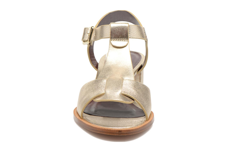 Sandales et nu-pieds Avril Gau Paty Or et bronze vue portées chaussures
