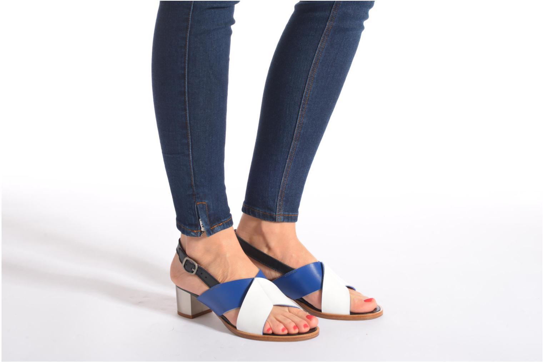 Sandales et nu-pieds Avril Gau Uba Multicolore vue bas / vue portée sac