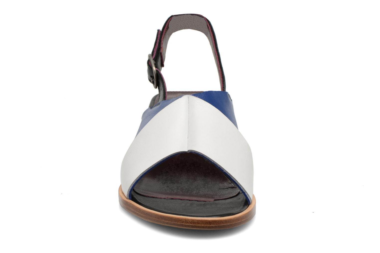 Sandalias Avril Gau Uba Multicolor vista del modelo