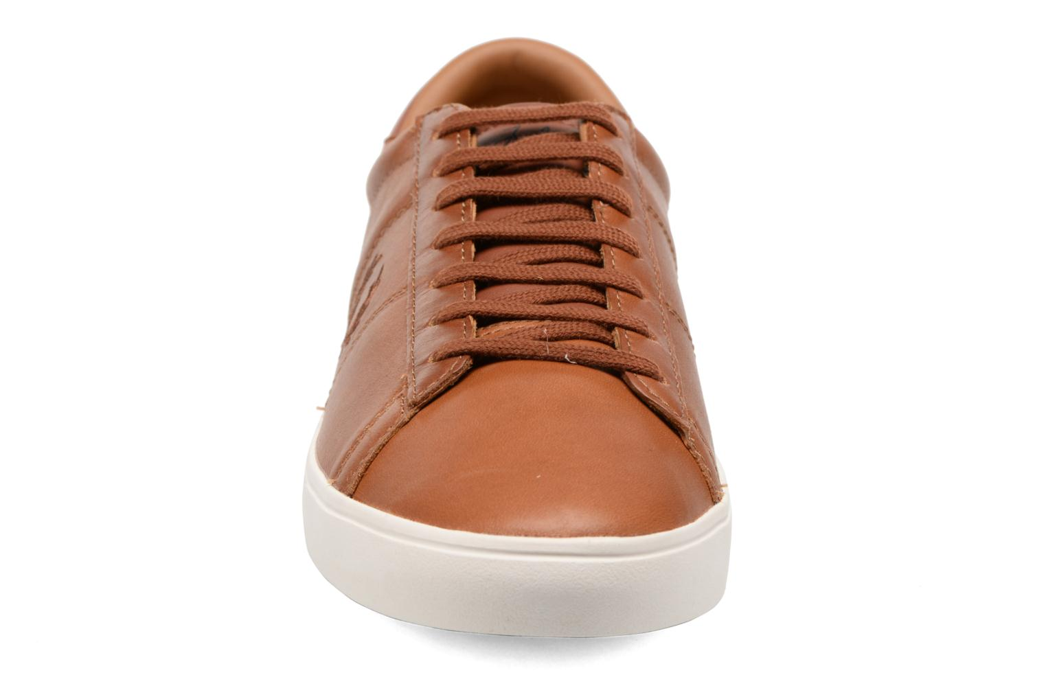 Baskets Fred Perry Spencer Waxed leather Marron vue portées chaussures