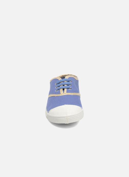 Sneakers Bensimon Tennis Lacets Shinypiping E Azzurro modello indossato